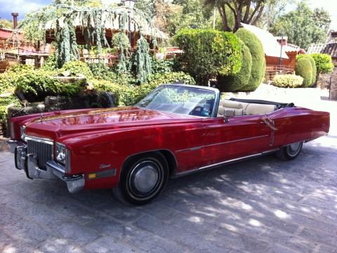 Cadillac 1971 rojo 2